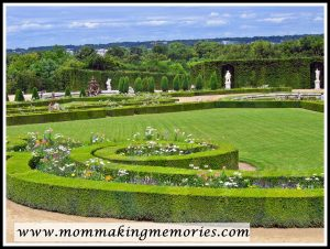 Beautiful gardens at Versailles. www.mommakingmemories.com