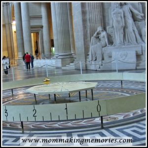 Foucault pendulum in Pantheon, Paris. www.mommakingmemories.com