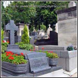 Graveyard in Paris. www.mommakingmemories.com