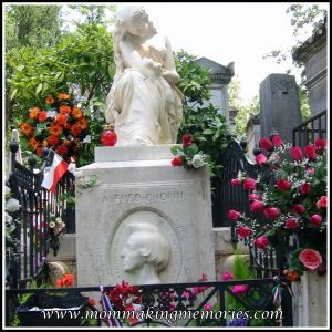 Pere Lachaise graveyard in Paris. Grave of Chopin. www.mommakingmemories.com