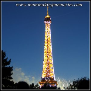 Eiffel tower and fireworks. www.mommakingmemories.com