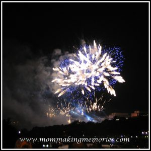 Fireworks at the Eiffel Tower. www.mommakingmemories.com