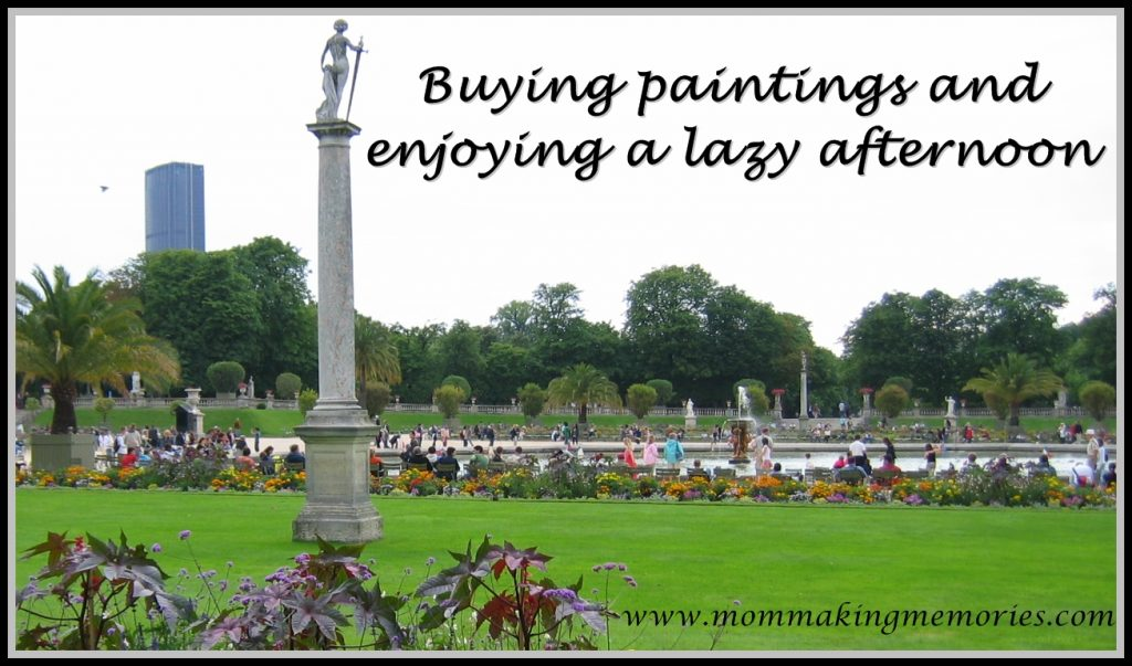 Buying paintings and enjoying a lazy afternoon in Paris. www.mommakingmemories.com